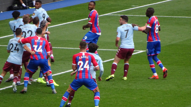 Gary Cahill gets stuck in during a Palace attack and already looks like a good acquisition.