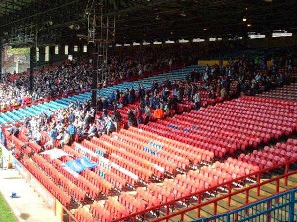 Poor Wigan Support 2